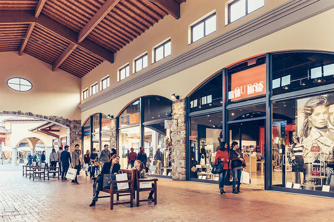 Emejing Outlet In Toscana Images - Idee Arredamento Casa - baoliao.us